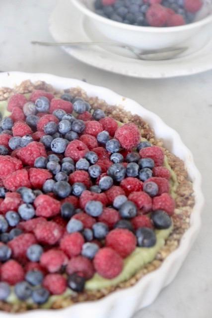 Claire andreewitch tarte crue aux fruits rouges