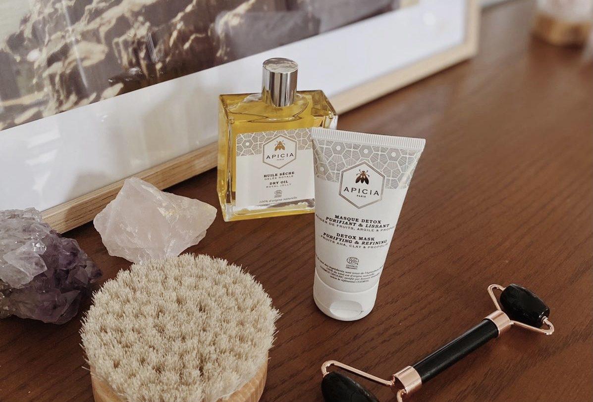 Comment détoxifier la peau et traiter l'acné ? - Claire Andreewitch